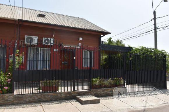 Se vende excelente casa frente U. Talca,5D y 2B
