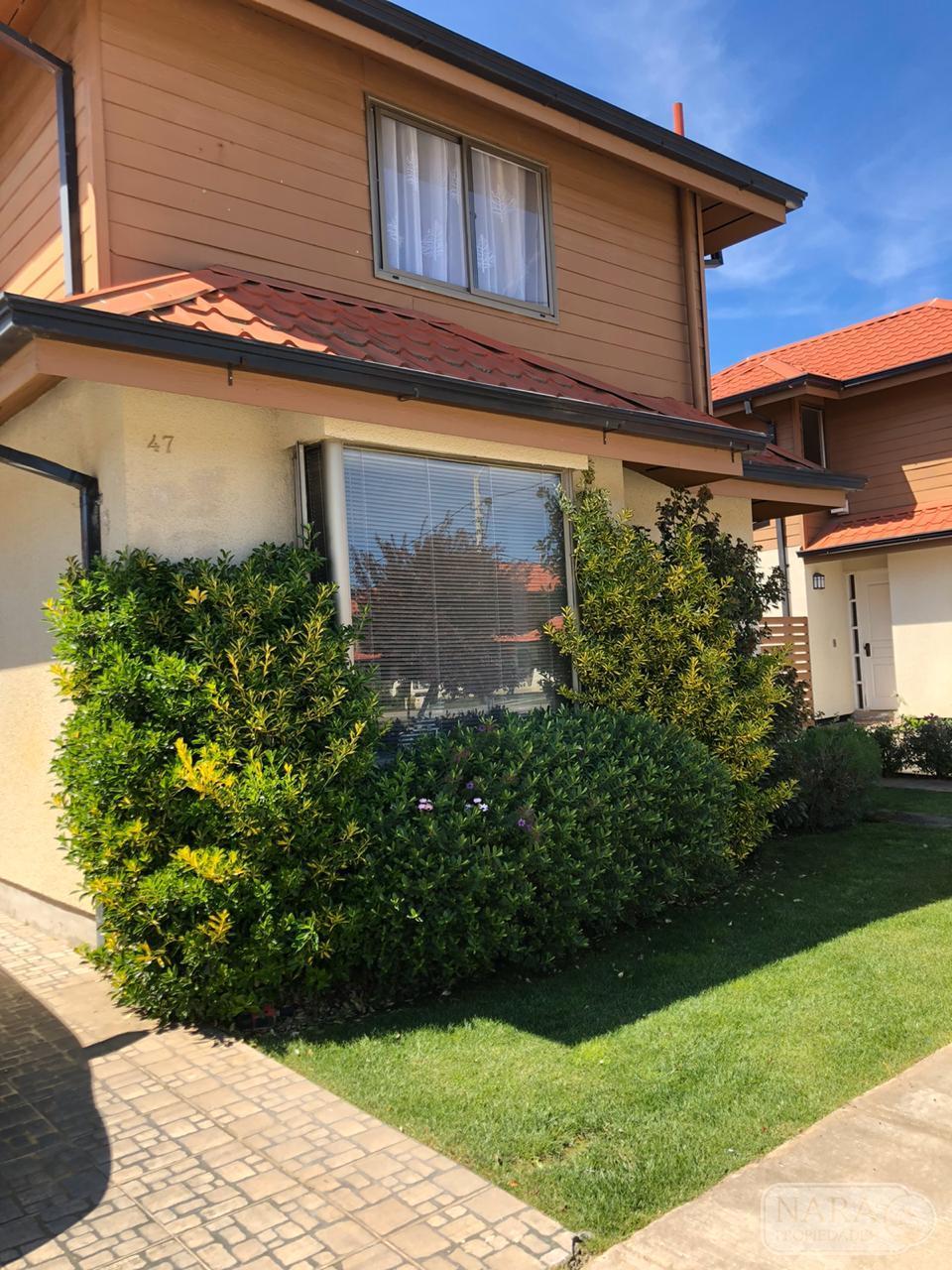 Se vende excelente casa en Condominio Los Sarmientos, Las Rastras
